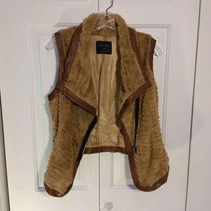Love Tree gorgeous faux fur & leather vest